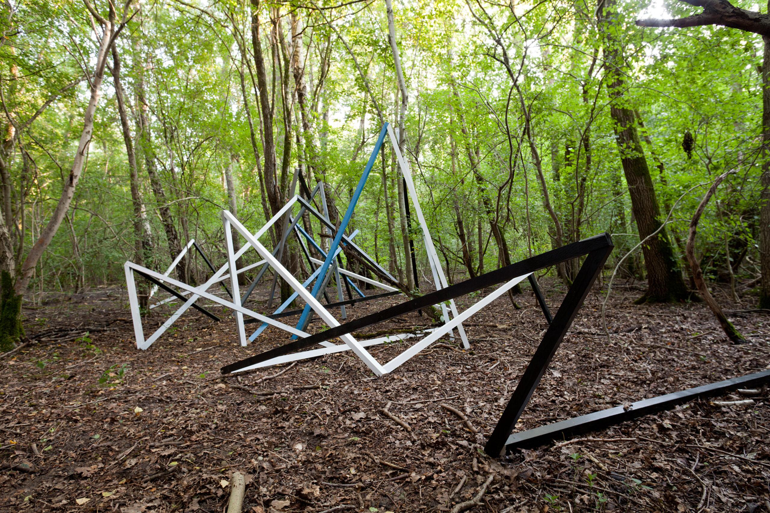 Skulpturenpark Westautobahn: Brennholzverleih