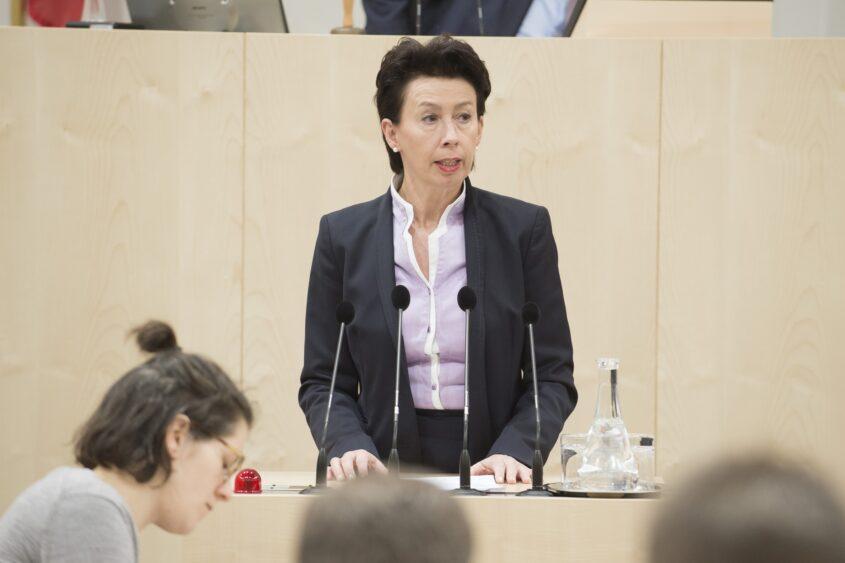doris-schulz_quer_c_parlamentsdirektion-thomas_jantzen.jpg